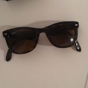 Ray-Ban sunglasses 🕶❤️